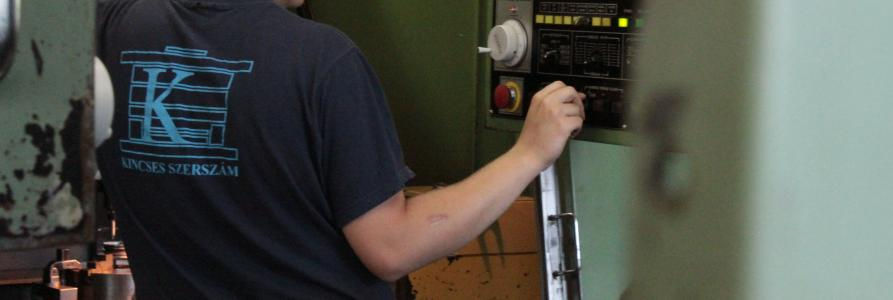 CNC megmunkálás / CNC processing